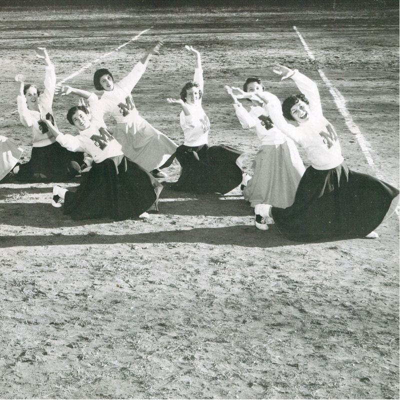 Montreat College Cheerleaders
