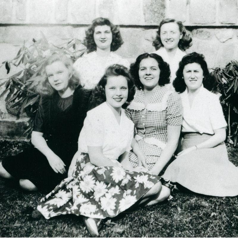 Six female Montreat College students
